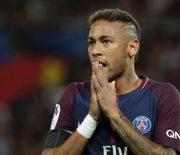 Pilih Bertahan Di Klub, Neymar Minta PSG Datangkan Suarez!