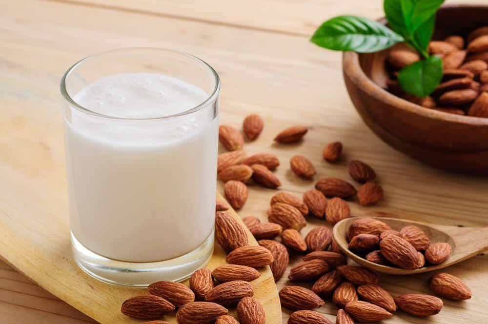 Kelebihan Dan Manfaat Susu Almond Yang Harus Kamu Tahu!